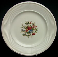 Wedgwood Edme Conway AK8384 Breakfast or Sm Size Dinner Plates 23cm Look in VGC