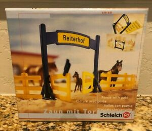 Schleich HORSE FENCE WITH GATE Horses Farm Life Accessory 40168 Rare BRAND NEW