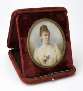 Antique portrait miniature painting of a lady signed Albert Theer 1889 Austria