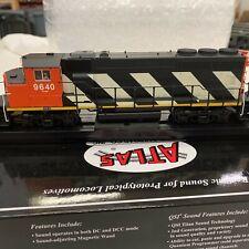 Atlas Masterline HO GP40-2 Locomotive with DCC and Sound