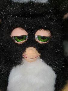 Furby 2005 Black and White EmotoTronic Green EyesTiger Electronics 59294 Working