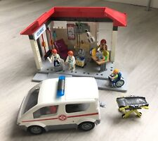 PLAYMOBIL 5102 CLINIC & AMBULANCE SET