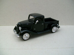 RACING CHAMPIONS MINT 1/55 (1/64) 1935 FORD V8  PICKUP TRUCK LIMITED EDITION