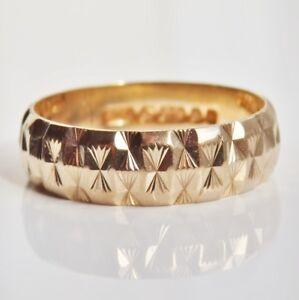 Fine Vintage 9ct Gold Engraved Wedding Band Ring c1981; UK Size 'K'
