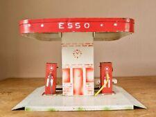 Alte große Esso Tankstelle aus Blech von Kibri? Deko für Autos