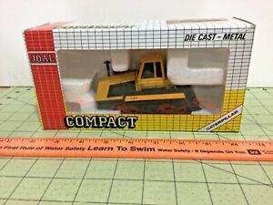 1:50 CAT Challenger 65 tractor by JOAL NIB, FREE shipping!