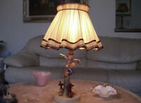 ANTIQUE HUMMEL GOEBEL LAMP, CULPRIT OUT OF DANGER LAMP, BEE MARK 1960s