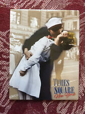 Times Square magnet WWII kissing couple Broadway New York