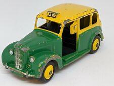 Dinky Toys  –  #254 Austin FX3 Taxi