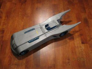 MINT VINTAGE & RARE 2000 BATMOBILE 17 Inch Bat  HASBRO DC COMICS CAR ONLY
