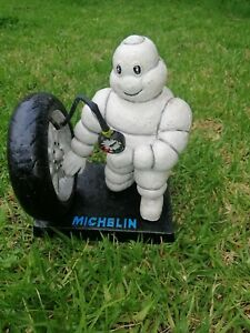 COLLECTABLE  CAST IRON MICHELIN MAN WITH Tyre ..