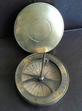 Cadran solaire et boussole modèle du 18ème siècle en laiton