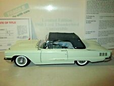 Danbury Mint LE 1960 Ford Thunderbird Convertible 1:24 Diecast in Box with DOCS