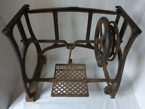 Rare  1912 cast iron Industrial Art Nouveau Singer Sewing Machine Treadle stand