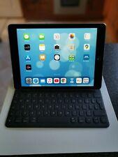 """Apple iPad Pro 1st Gen. 128GB, Wi-Fi, 9.7""""  Space Grey bundled + Smart Keyboard"""