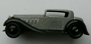 Dinky Meccano Die Cast Model Vehicle Grey Sedan (Shop Ref D133)