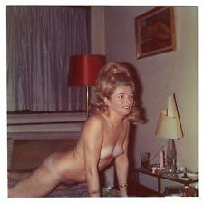 MATURE NUDE WOMAN TANLINES BEEHIVE / AKTFOTO NACKT * Vintage 50s Amateur Photo