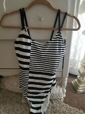 GORGEOUS MICHAEL KORS ONE PIECE BATHING SUIT BLACK AND WHITE PADDED SIZE 10