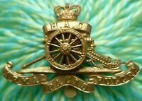 VINTAGE HAC Honourable Artillery Company Cap Badge QC All BRASS ORIGINAL