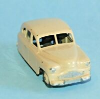DINKY Meccano UK original 1954 STANDARD VANGUARD Sedan #153 Cream body and hubs