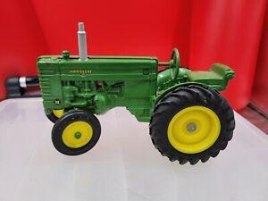 Vintage Ertl John Deere M 1/16 Collectible Tractor