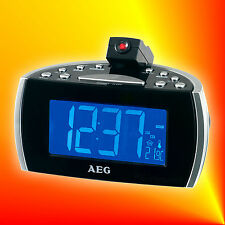 AEG MRC 4119PN Radiowecker Uhrenradio mit Projektion, Temperatur- & Datumanzeige