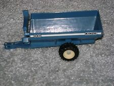 1/64 KINZE 840 GRAIN CART