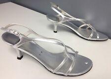 STUART WEITZMAN Silver Metallic Leather Buckle Criss Cross Sandal Sz 9 B4040