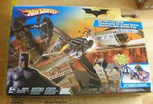 2005 Hot Wheels Batman Begins Gotham City Chase set MIB Ra's Al Ghul Batmobile