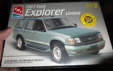 AMT 8971 1997 FORD EXPLORER 1/25 MODEL CAR MOUNTAIN KIT FS