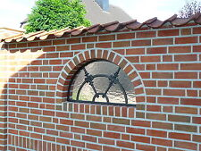 Verziertes Halbrundes Gussfenster Stallfenster  für Gartenmauer  53cm x 27cm