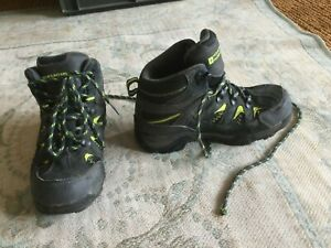 Mountain Warehouse children's walking boots water resist grey UK size 1 VGC