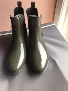 INC Rubiee Ankle Rainboots