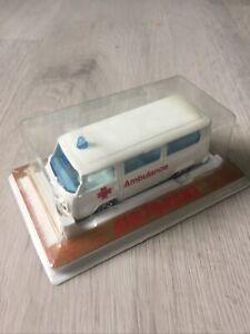 Rare Variante Combi Volkswagen Ambulance  Majorette