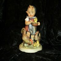 Goebel HUMMEL Figurine FEEDING TIME 199 TMK2 Girl w/ Chickens MINTY full bee