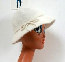 Chapeau cloche angora blanc