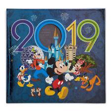 Disney Parks 2019 WDW Minnie and Friends Photo Album Medium Holds 200 Photos New