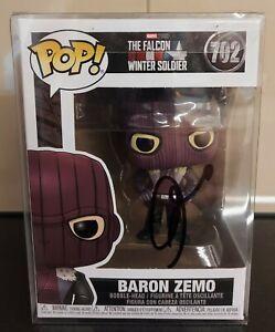 """DANIEL BRÜHL """"Baron Zemo"""" Funko Pop signiert COA IN PERSON Autogramm signed RAR"""