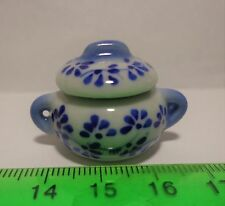 1:12 Scale Ceramic Hot Pot / Casserole Pot Dish Dolls house Miniatures. ( F1 )