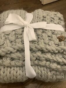 Ugg Thick Heavy Knit Woven Throw Blanket Cover Gray Chunky New!