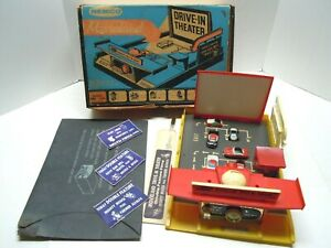 REMCO NICE COMPLETE MOVIELAND DRIVE IN, BOX, ALL CARS, FILM, BILLBOARDS. WORKS
