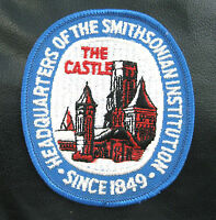 "SMITHSONIAN INSTITUTION EMBROIDERED SEW ON PATCH TOURIST SOUVENIR 3"" x 3 1/2"""