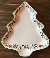 "Pfaltzgraff Winterberry Christmas Tree Dinner Buffet Plates Set of 4 12"" x 11"""