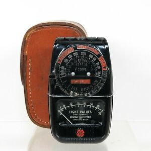 Vintage GE DW-48 Deco-Style Light Meter with Leather Case | Functional