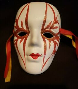"""Porcelain Ceramic Painted Wall Hanging Face Mask 4 1/8"""" x 2 3/4"""""""