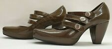 CLARKS Ladies Womens Shoes Size UK 5.5 EU 39 Beige Patent Leather Mary Jane Wide
