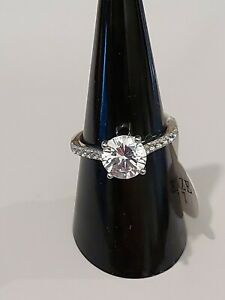 BRAND NEW STAINLESS STEEL STUNNING SOLITAIRE  CRYSTSL & RHINSTONE RING SIZE O.5