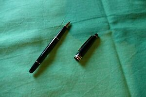 Authentic Montblanc Meisterstuck Black Gold Trim Rollerball Pen