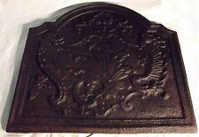 foyer plaque cheminée décor dragons gargouilles aigle? ancien panneaux arrière
