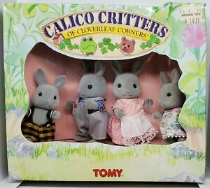 Sylvanian Calico Critters Babblebrook Rabbit Family   Rare - Retired *New In Box